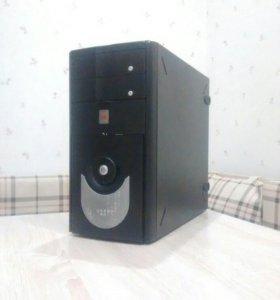 Core Quad Q6600 2.4GHz, 4 ядра, 4 гига
