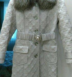 Пальто, воротник натуральный песец