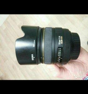 Sigma AF 30mm f/1.4 EX DC HSM Canon EF-S