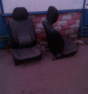 Сиденья на ВАЗ классика почти новые