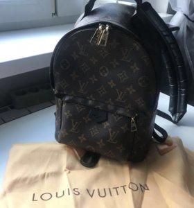 Рюкзак LV