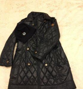 Демисезонное пальто с шапкой