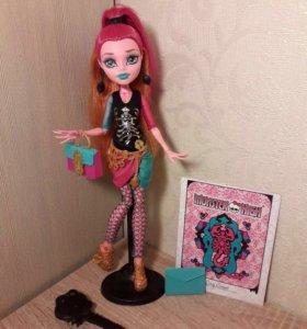 Кукла Monster High Новый Скарместр