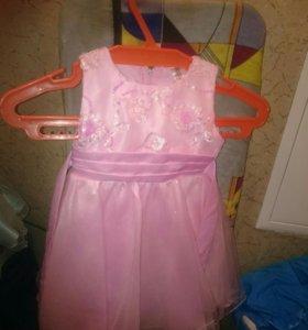 Продам платья для девочки рос 100 см, цена за все
