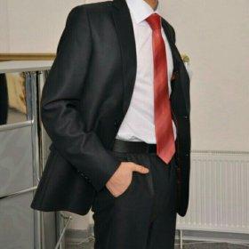 Мужской костюм, брюки и галстук в подарок)