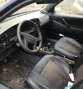 Volkswagen Passat 1.6 (75 лс) 1992 г