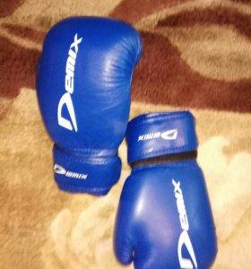 Детские боксерские перчатки. Новые.