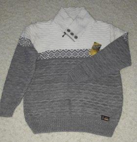 Мягкий удобный свитер