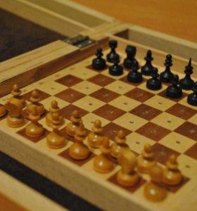 Сувенирные деревянные маленькие шахматы