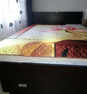 Кровать и тумбочка + столик журнальный
