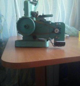 Производственная Швейная машинка с электоприводом