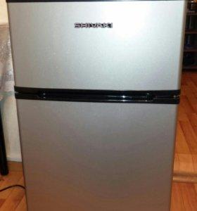 Shivaki SHRF-90DP Двухкамерный холодильник