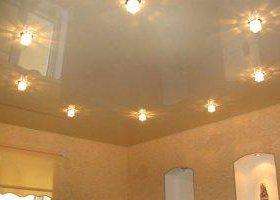 натяжные потолки,электрика,сантехника,ламинат