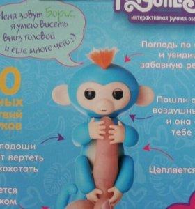 Финдерлингз Интерактивная ручная обезьянка