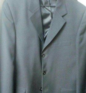 Пиджак мужской классический.