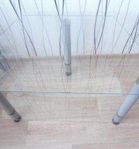 столик на ножках, из 2-х стеклянных полок