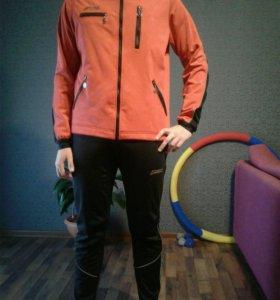 Тренировочный лыжный костюм