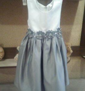 Платье новогодние,на 4-5 лет