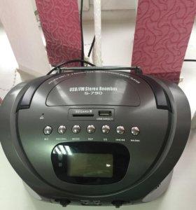 Радиоприёмник бумбокс