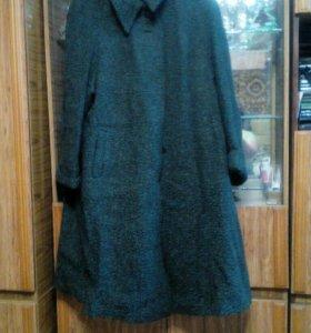 Пальто для пышной дамы р.62.