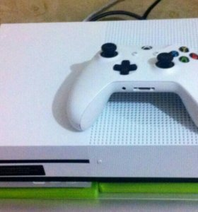 Xbox one s 500 gb с дисками