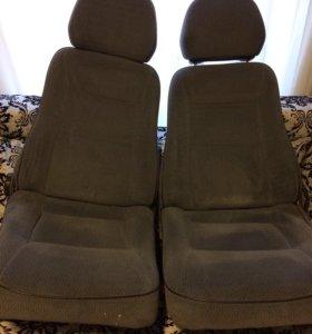 Два передних сиденья на ВАЗ 2115 с подогревом
