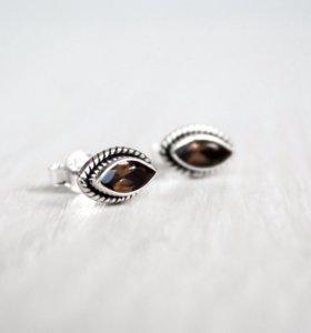 Серебряные серьги с раухтопазом