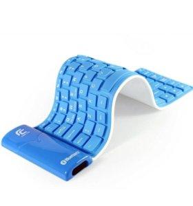 Портативная bluetooth клавиатура на английском.