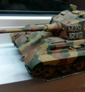 Модель немецкого тяжёлого танка Pz6B.Tiger ll