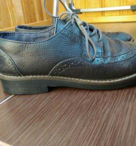 Кожаные туфли zara 31 размера