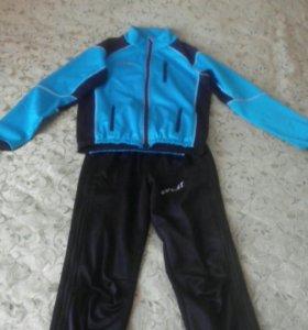 Разминочный костюм лыжника