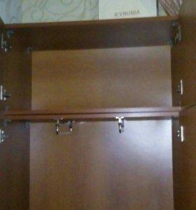 Шкаф.
