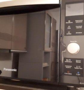 Микроволновка + духовка Panasonic NN-DF383B