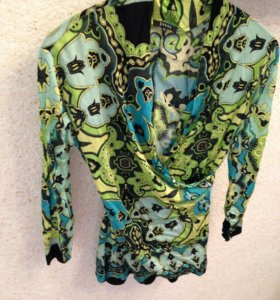 Блуза-кофточка новая итал вечерняя
