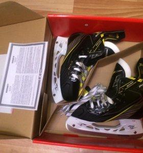 Хоккейные коньки. ccm TACKS 5092. Размер JR 3.5 D.