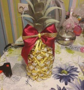 ананас из конфеток
