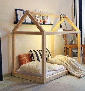 Кроватка домик простая