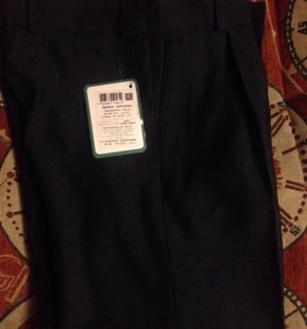Новые костюмные брюки 116р