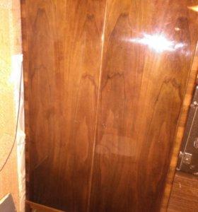 Шкаф двухстворчатый из натурального дерева