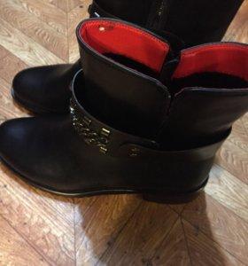 Ботинки женские новые 39-40