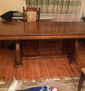 Гостинный стол