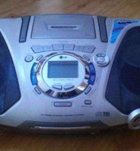 Магнитола CD - диски, дека, FM - радио