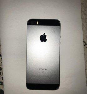 Продаю IPhone SE
