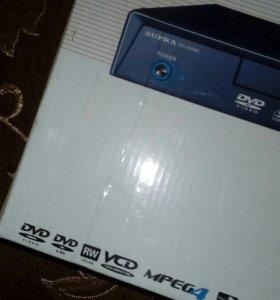 DVD плеер в идиальном состоянии