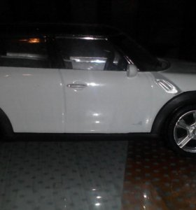 Mini cooper;Land Rover Discovery