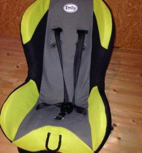 Детское автомобильное кресло.