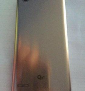Телефон LG Q6a