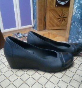 Crocs женские новые