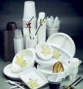 Пластиковая посуда и целлофановые пакеты