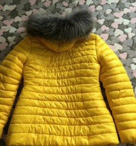 Зимняя куртка в отличном состоянии 44-46